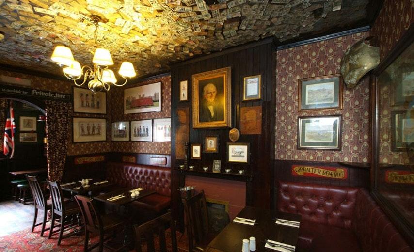Pub infestati a Londra. Immagine del Grenadier Pub