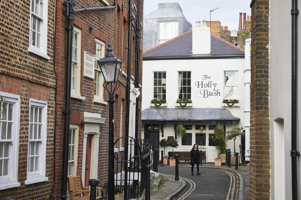 Pub infestati a Londra. Immagine dell' Holly Bush Inn