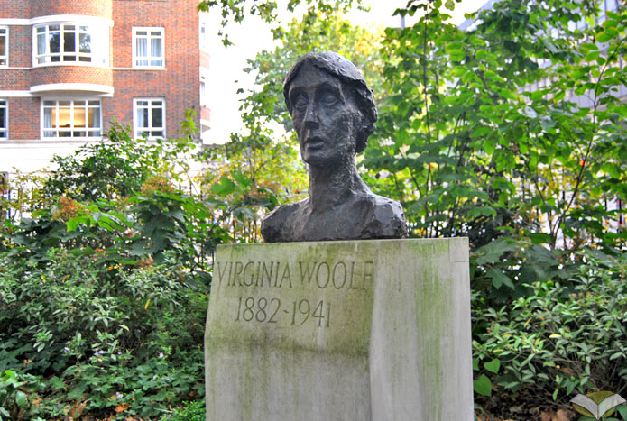 Virginia Woolf a Londra- statua