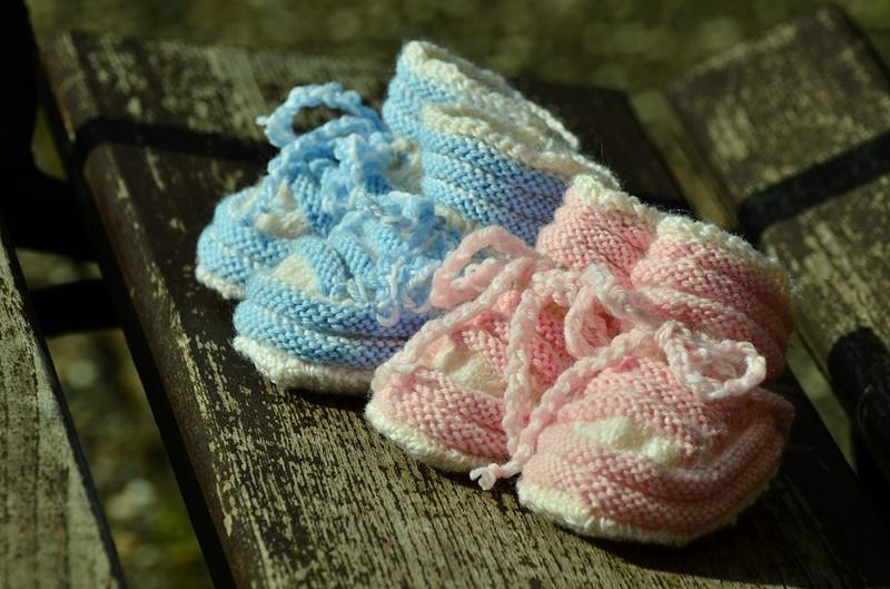 Royal Baby - scarpette per neonati fatte all'uncinetto