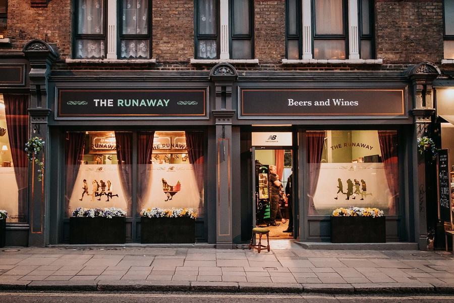 The Runaway Pub Di Londra