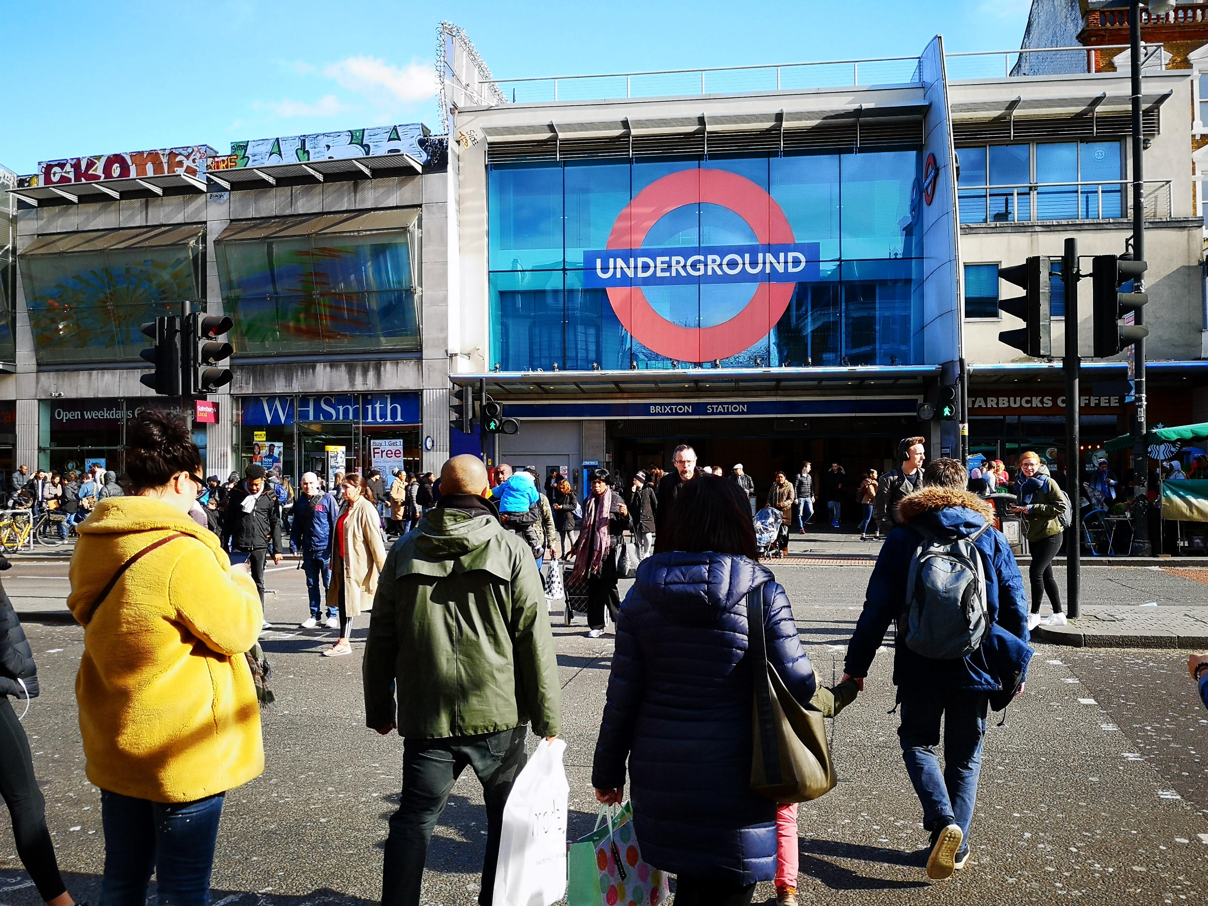 Metro di Londra, stazione di Brixton