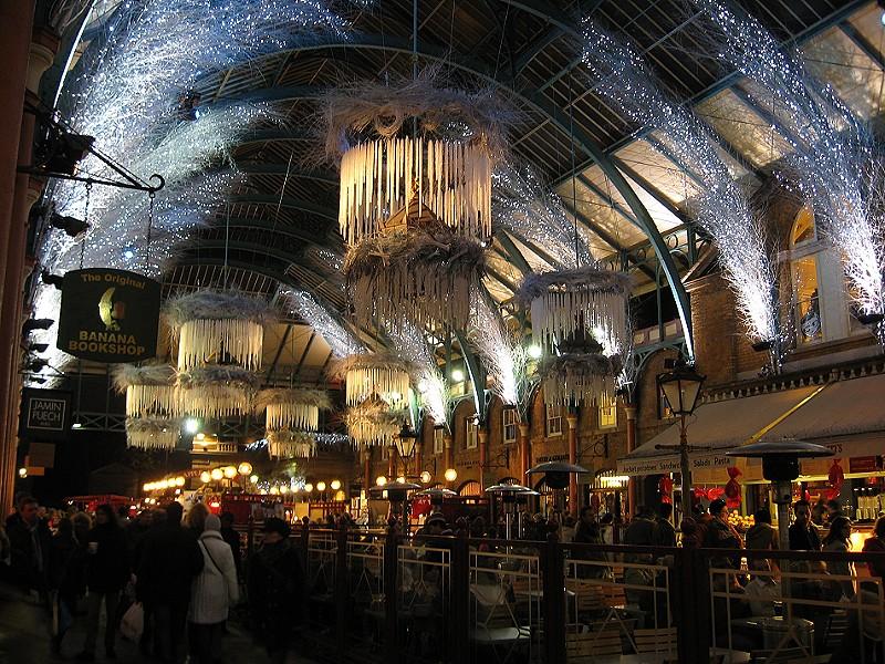Mercatini di natale: Covent Garden mercato con decorazioni
