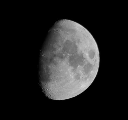 Massimo de Carlo, luna in cielo scuro