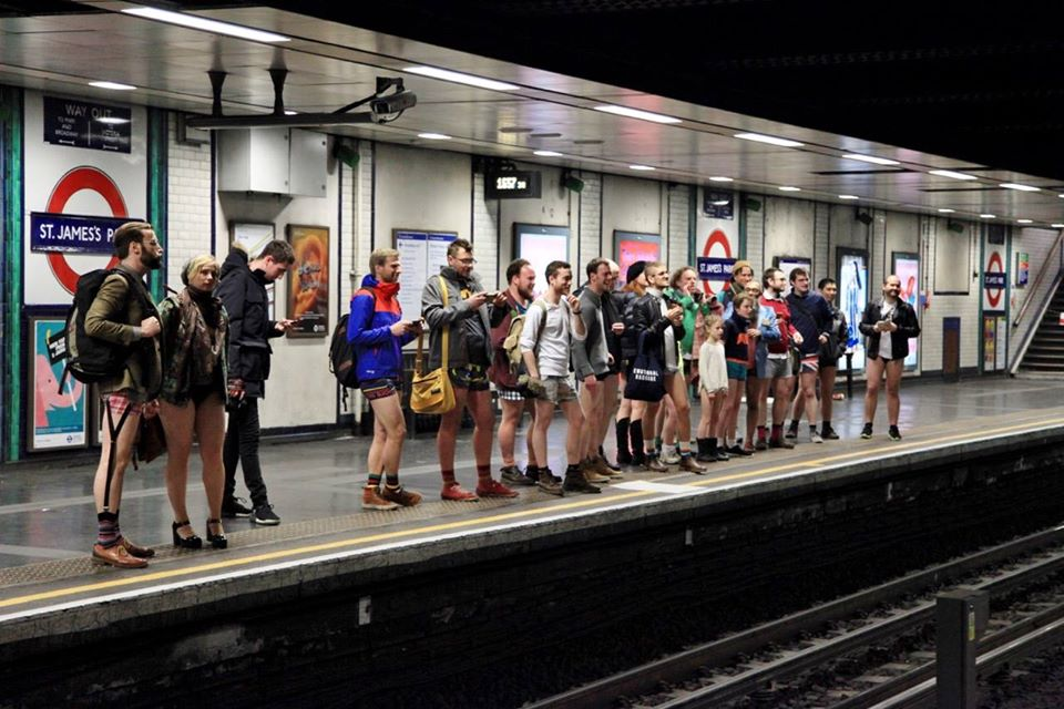 No Trousers Tube Ride - Metro Di Londra