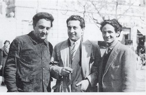 federico fellini, foto in bianco e nero di tre uomini