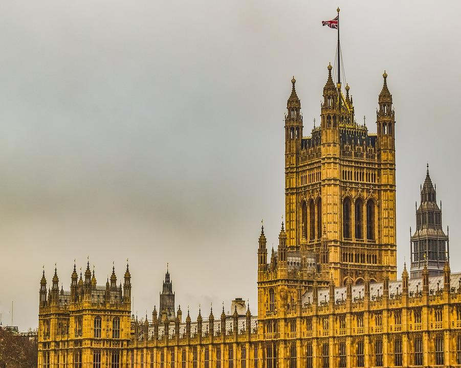 lockdown - la Bandiera sul parlamento