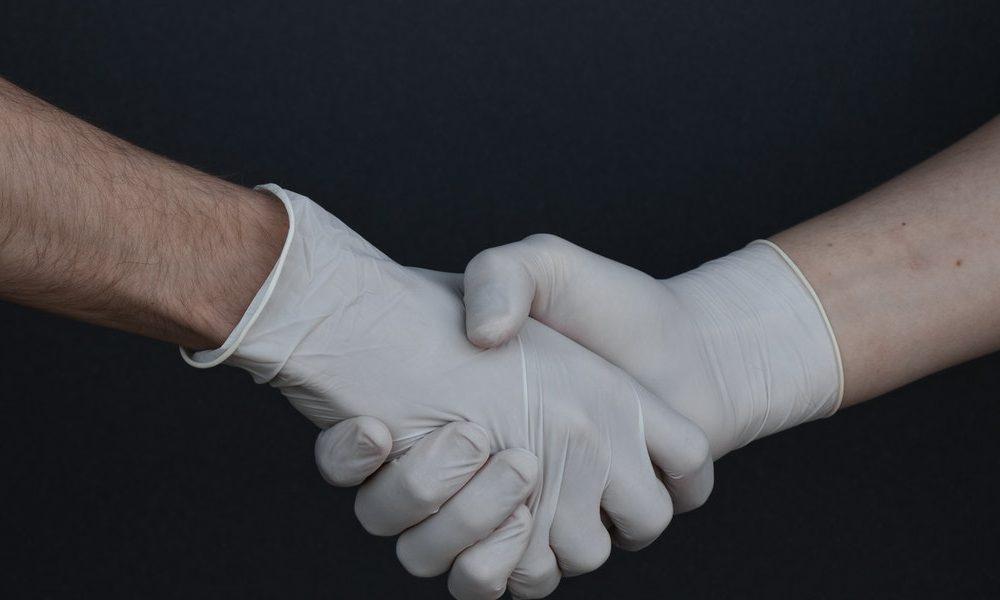 Vaccino- una collaborazione tra Italia Gb