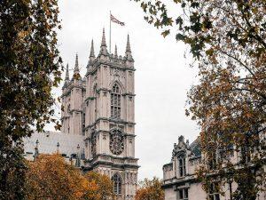 5 Motivi Per Visitare Londra In Autunno vista chiesa
