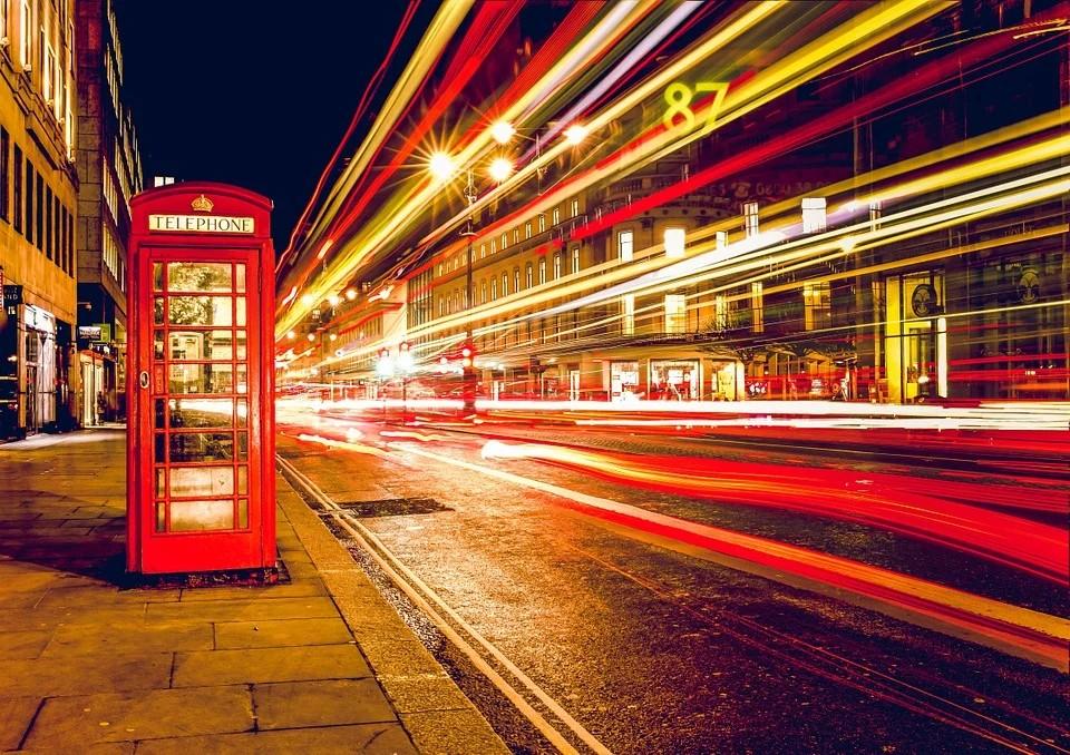 Norme #Covid in UK - Cabina Telefonica inglese