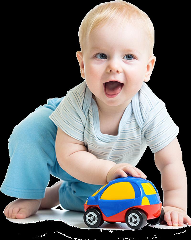 Crescere i figli in UK - Bimbo Con Auto che gioca