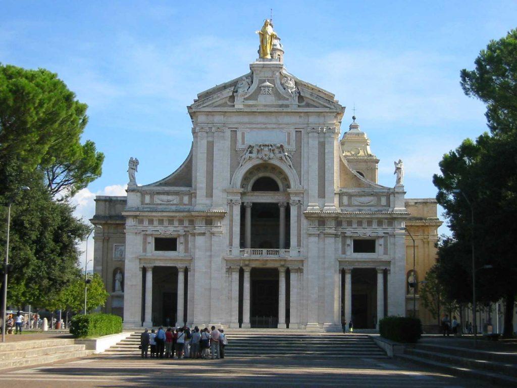 Nome di Los Angeles - Immagine della Basilica di Assisi