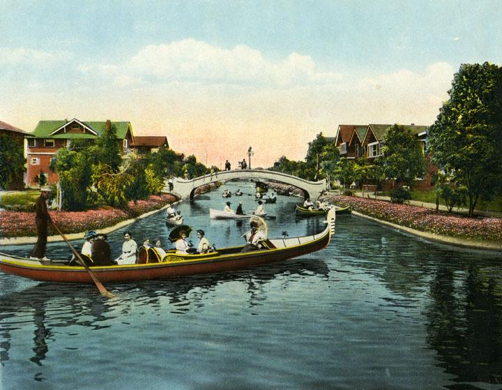 Venezia - Immagine di Venice Beach con canale e gondola