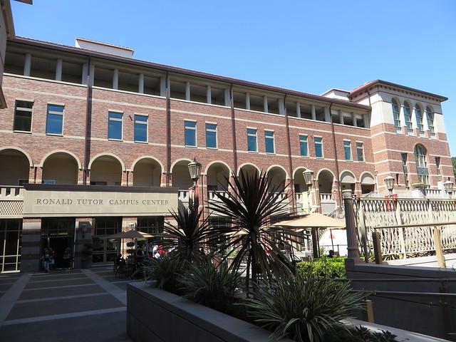 Leo Buscaglia. Immagine della University of Southern California
