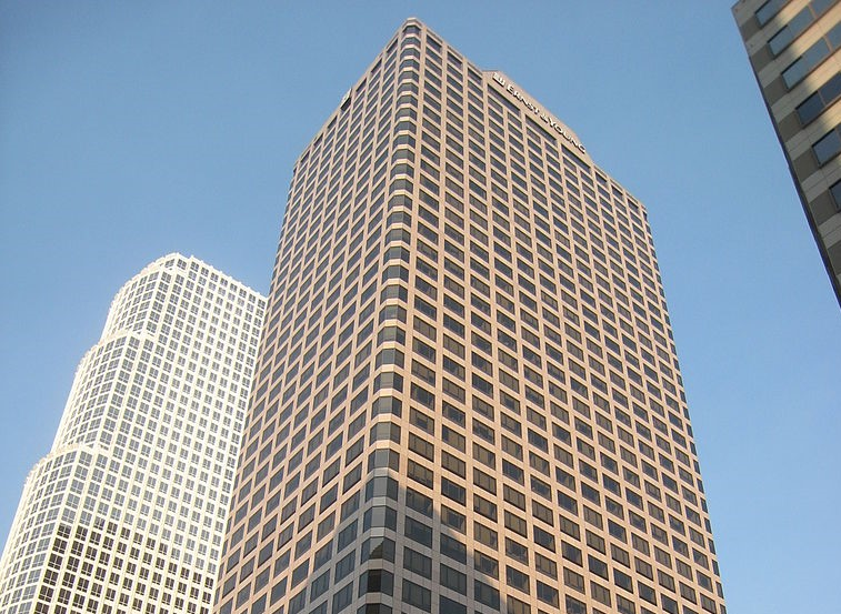 Businessman. Il grattacielo Ernst and Young di LA