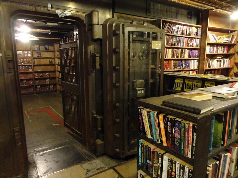 The Last Bookstore. La libreria di Los Angeles dentro il caveau di una ex banca