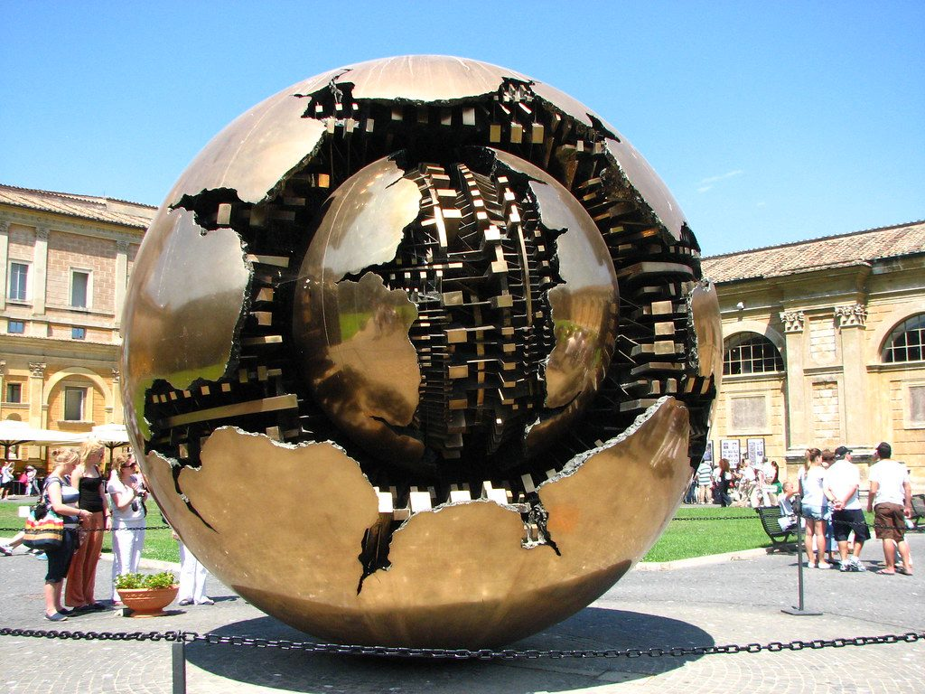 Arnaldo pomodoro - Palla Di Metallo