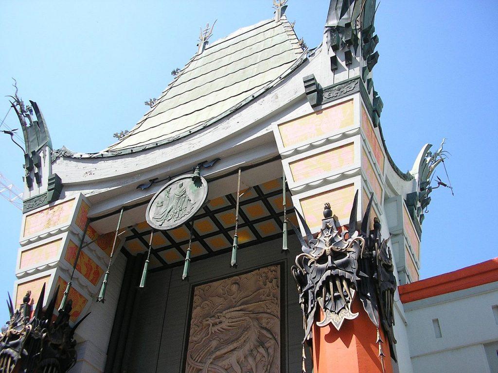 Teste Mostruose decorano la sommità del Chinese Theatre