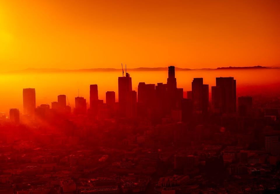 Antony Fauci - Los Angeles Panoramica al tramonto
