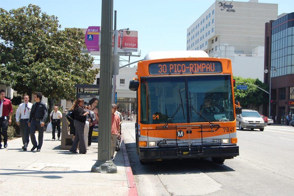 Autobus Local. Sistema di trasporti della contea di LA
