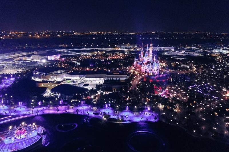 Disneyland  - Castello Delle Favole di notte