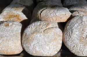 street food a Malta - il pane della ftira