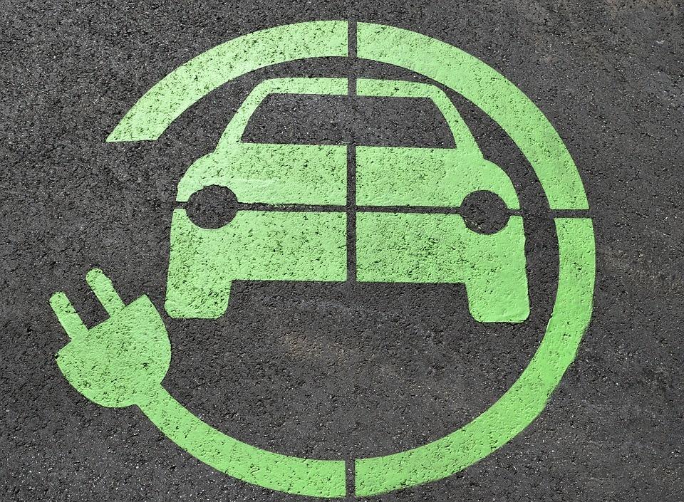 Car Sharing a Malta - segnale di parcheggio per auto ecologica