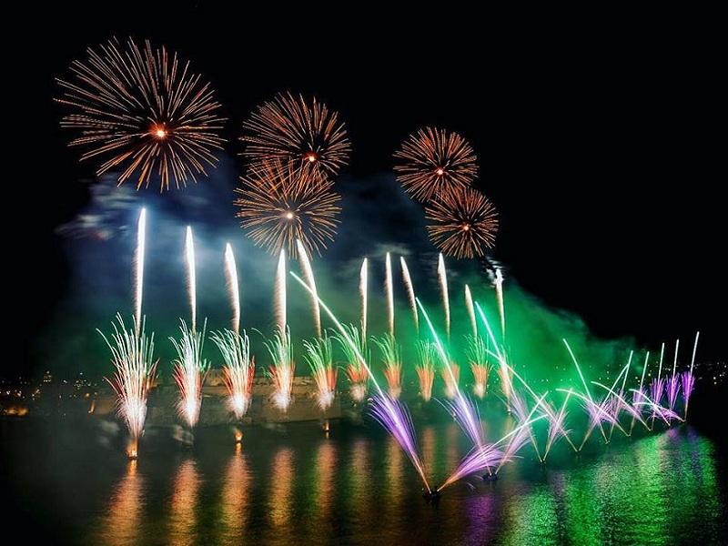 Malta international fireworks festival lo spettacolo