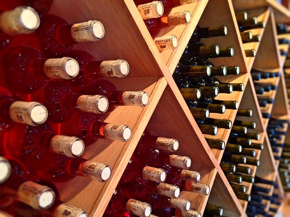 Malta International Wine Festival - bottiglie in cantina