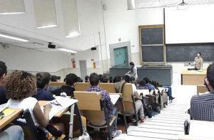 Open Day Iudav-VHEI - un'aula con studenti