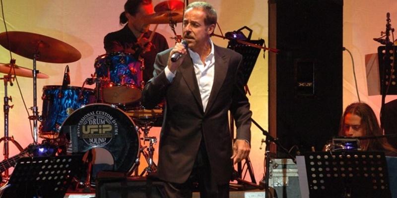 Massimo Lopez - Massimo Lopez mentre si esibisce