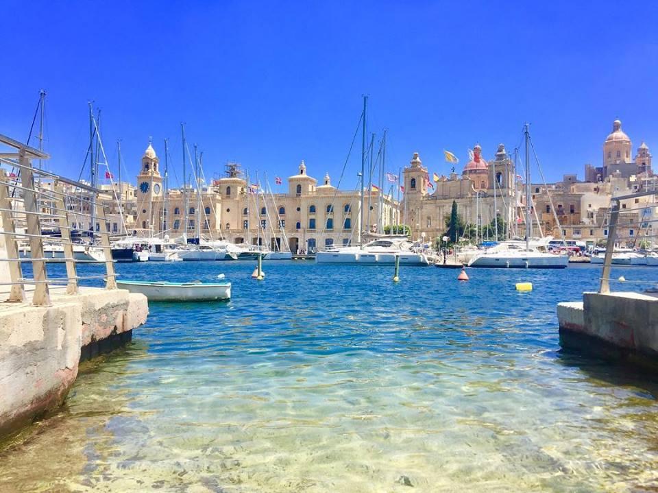 una immagine del porto di malta