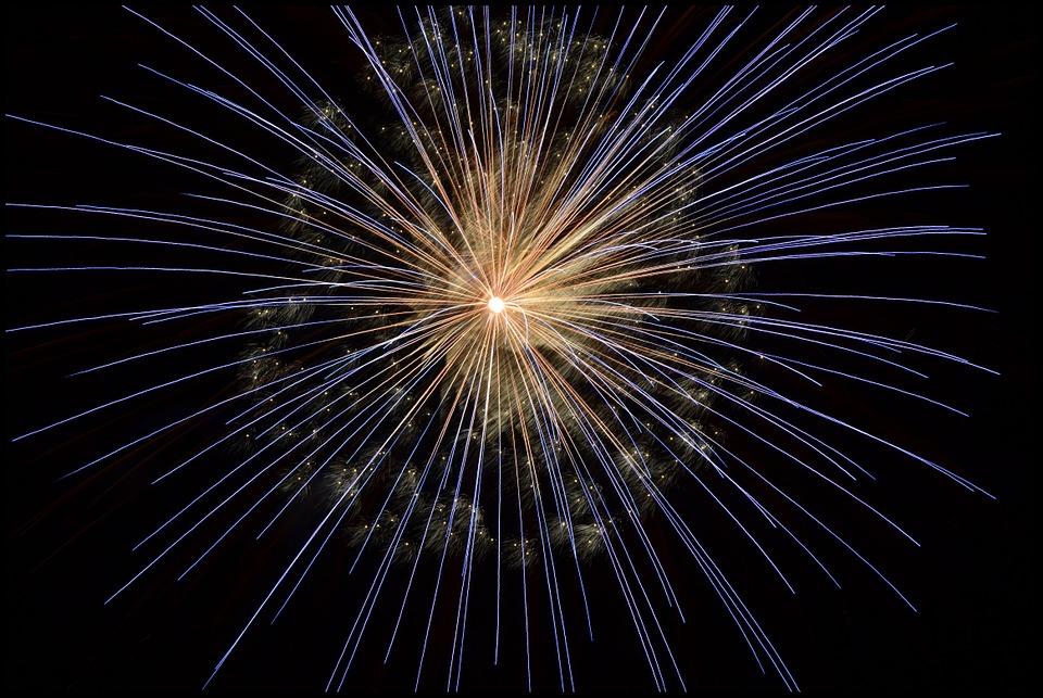 La notte di San Lorenzo - foto di un fuoco artificiale