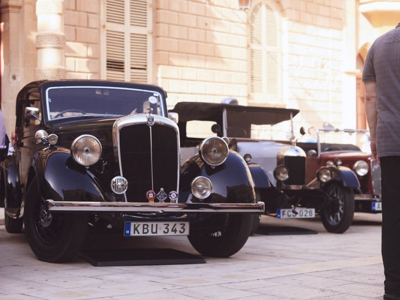 Malta Classic accoglie gli appassionati di auto e tutti i visitatori per una celebrazione esaltante delle auto classiche
