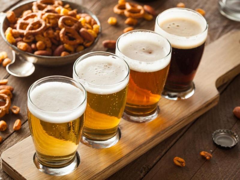 oktoberfest malta: bicchieri di birra