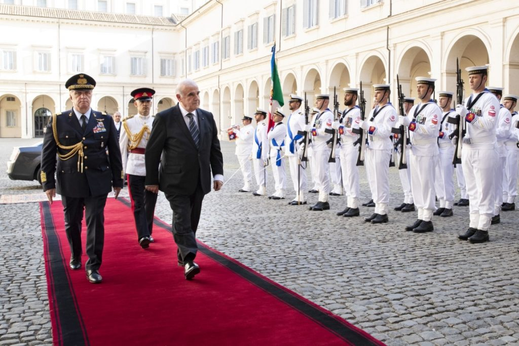 presidente George Vella - parata al quirinale
