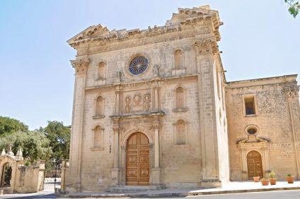 L'esterno di il-knisja l-Qadima chiesa di Santa Maria Assunta