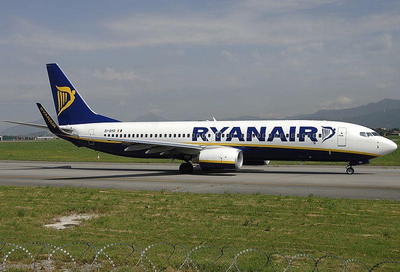 Ryanair riprende il volo - un aereo della compagnia