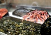 Sabbagata a St. Julian's - pesci freschi pronti per essere cucinati