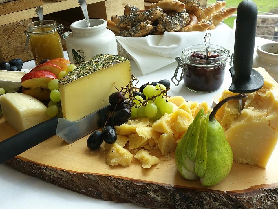 frutta e formaggi