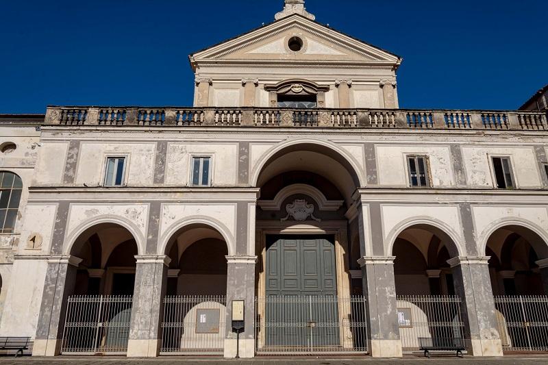 Statua della Carità di Onofrio Buccini - chiesa dell'Annunziata