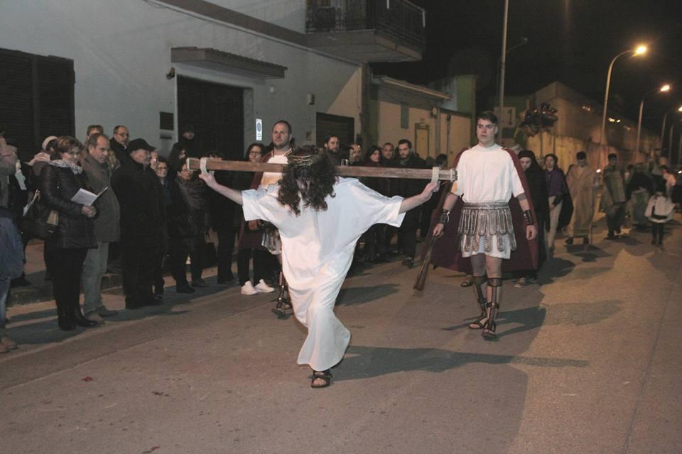 Via Crucis figurata di Marcianise - salita al monte Golgota