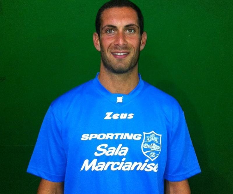 Francesco Gigliofiorito con la maglia dello Sporting Sala-Marcianise