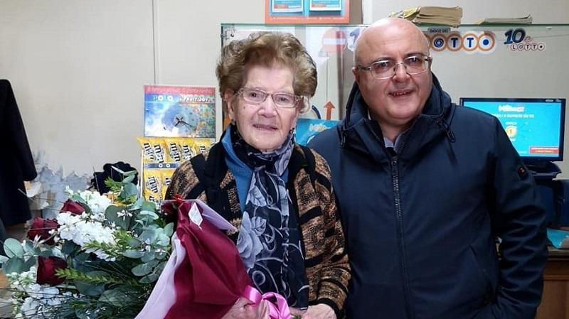 Nonna Angelina Con Il Sindaco Velardi