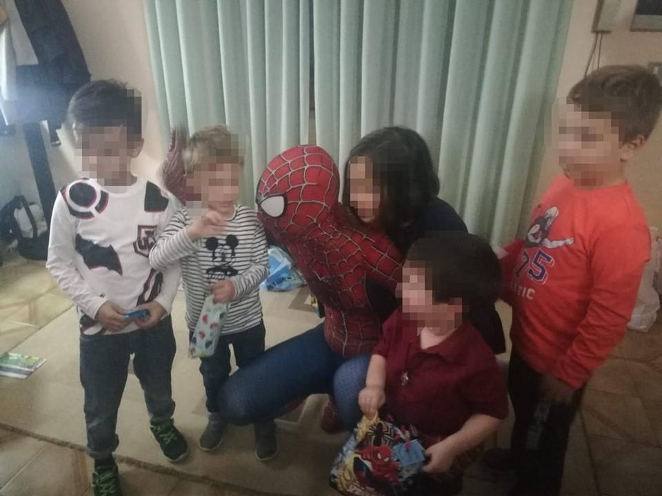 Supereroi In Corsia Con Bambini
