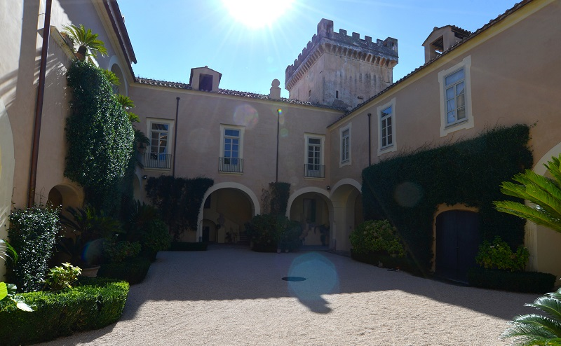 Villa Porfidia A Recale Location De Il Commissario Ricciardi