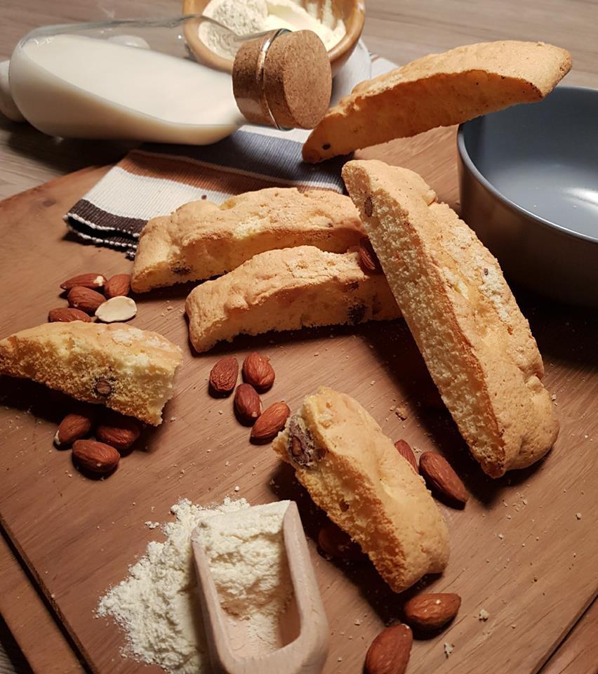 Cucina Materana Biscotti Alle Mandorle