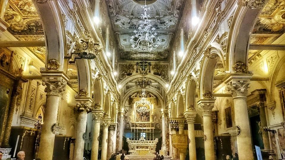 matera cattedrale - la navata con le colonne