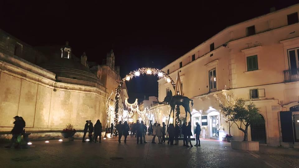 Mostra Dali Opera In Piazza