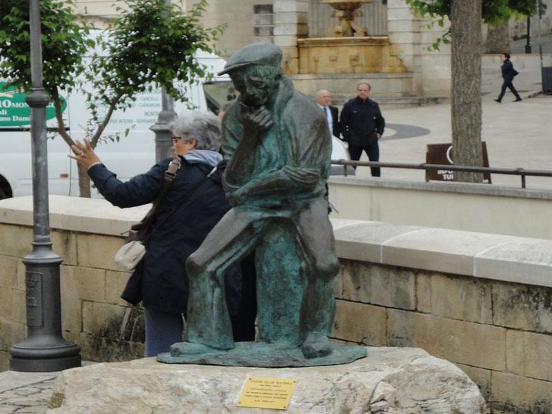 Statua Il Pensatore Matera 2019